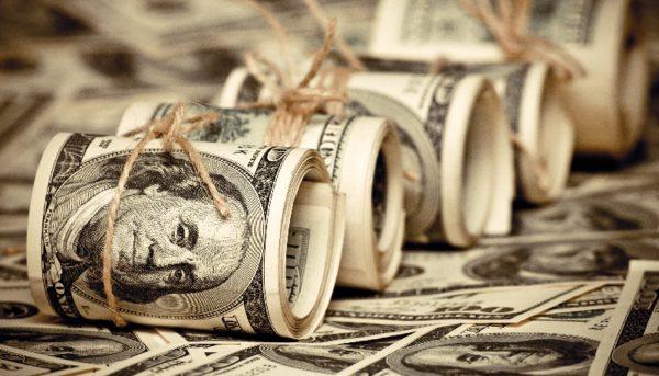 گرانی دلار و طلا در هفتهای که گذشت / چه عواملی بازارها را صعودی کرد؟