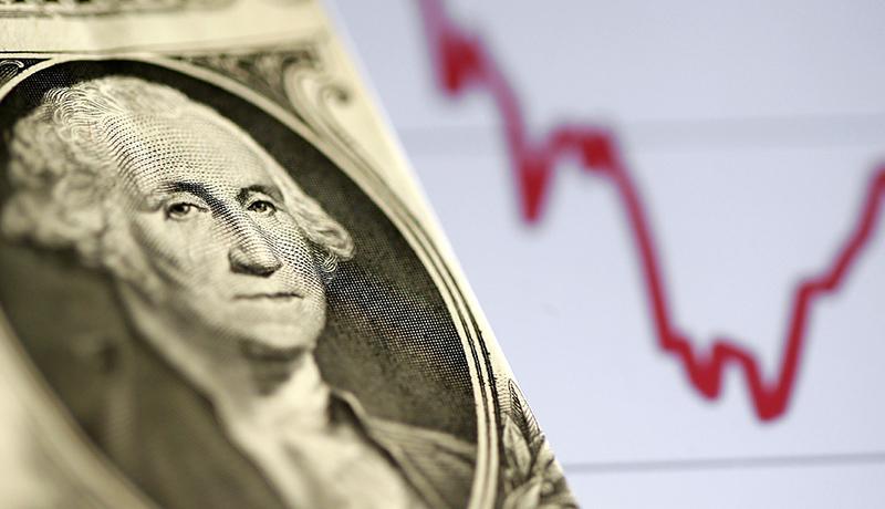 افت ۴.۲ درصدی قیمت دلار در یک ماه اخیر