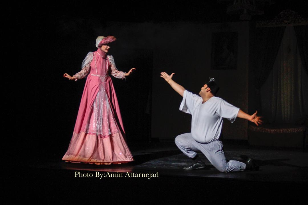 نمایش لباس جدید پادشاه در تماشاخانه سنگلج تاریخساز شد