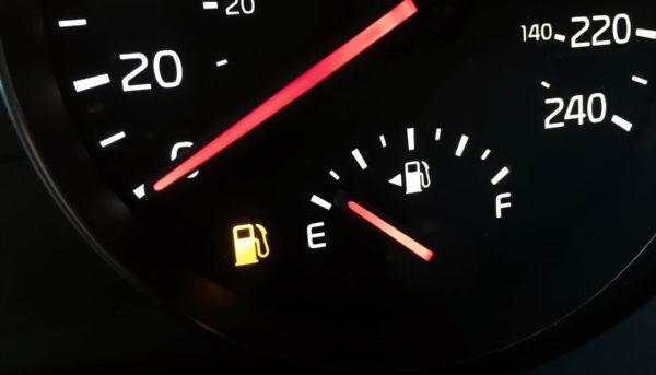 قیمت بنزین با اقتصاد ایران چه میکند؟