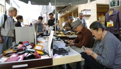 در کدام کشورها مردم پس از 65 سالگی کار میکنند؟