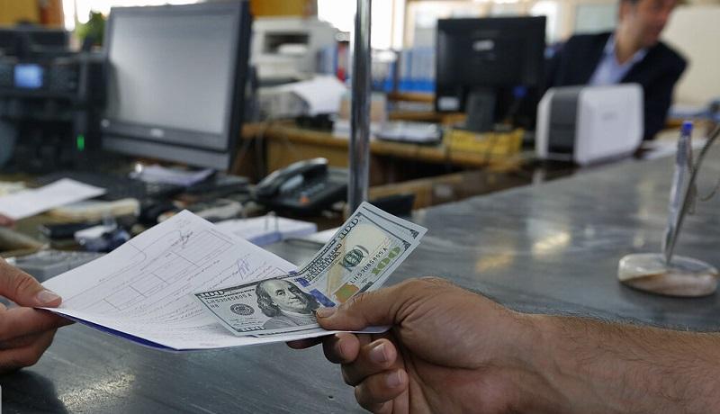 چرا صف خرید دلار تشکیل شد؟ / قیمت دلار امروز 18 شهریور چقدر است؟