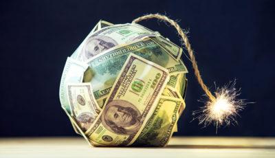 به دنبال موافقت با استیضاح ترامپ، دلار شروع به ریزش کرد