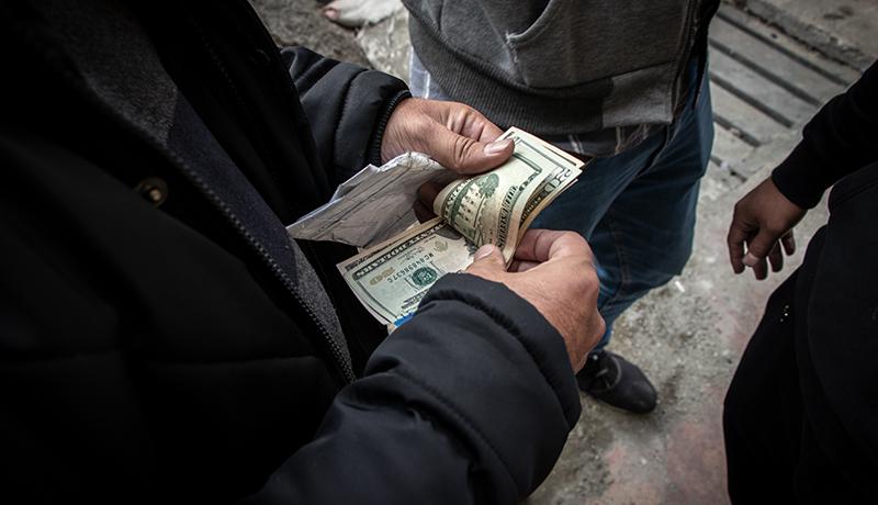 قیمت دلار تا پایان سال بیشتر از ۱۳ هزار تومان نمیشود