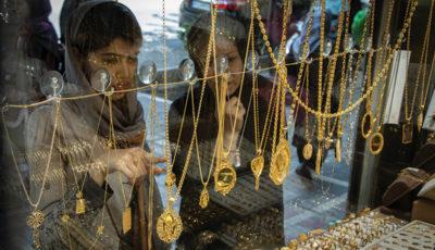 دلار و طلا چه میشوند؟