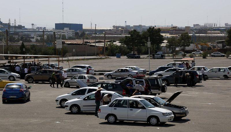 وضعیت بازار خودرو در روز جمعه / ارزانی یک میلیونی پراید و گرانی یک میلیونی سمنددوگانه +جدول قیمتها