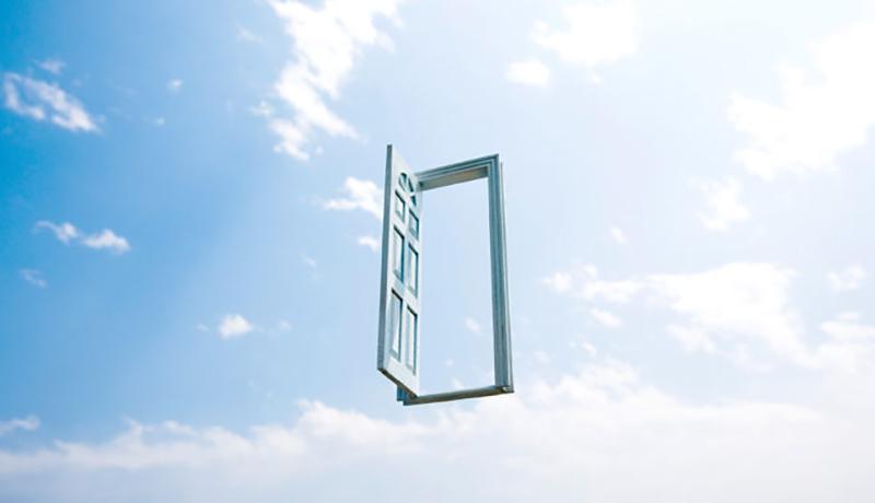 دری در آسمان