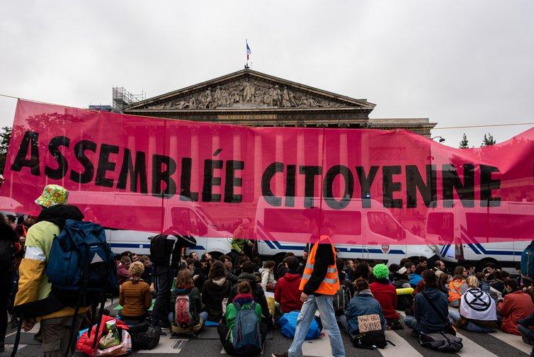 تجمعات مردمی در فرانسه