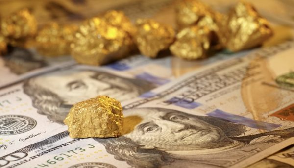 افت دلار در معاملات روز سهشنبه / طلا ۰٫۱ درصد رشد کرد