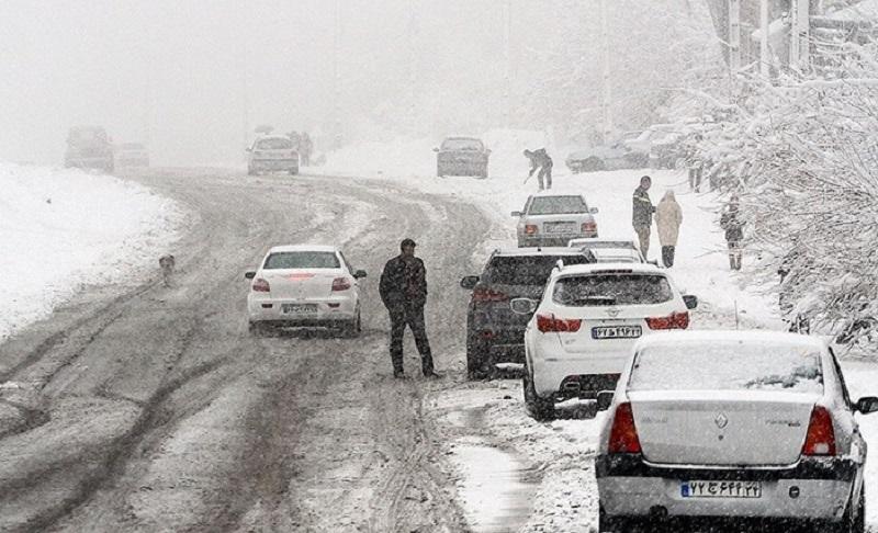 آخرین وضعیت جادهها /  بارش برف  در ۹ محور