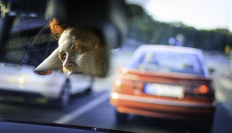 چرا زنان و افراد مسن در تاکسی اینترنتی کمتر کار میکنند؟