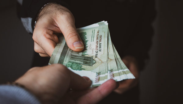 افزایش حقوق ۸۰ درصدی ۱٫۱ میلیون کارمند دولت