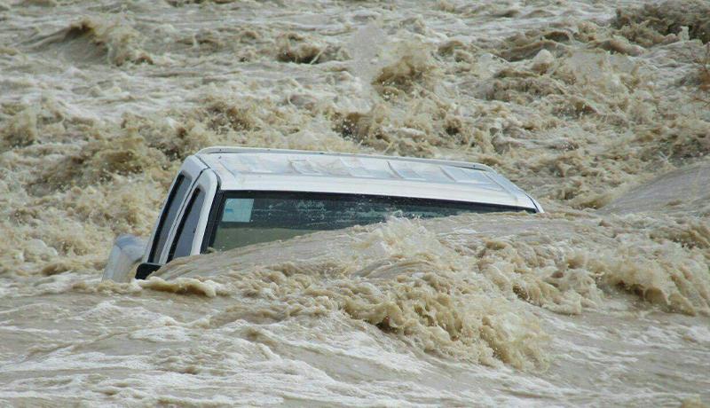 آخرین خبرها از سیل سیستان / مردم ۱۰۰ روستا آب گل آلود مینوشند / عمق آبگرفتگی تا 8 متر هم میرسد!