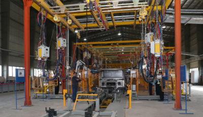قیمت کامیون چاپار در بازار مشخص نیست / تحویل پراید بهجای خودروهای سنگین معوق!