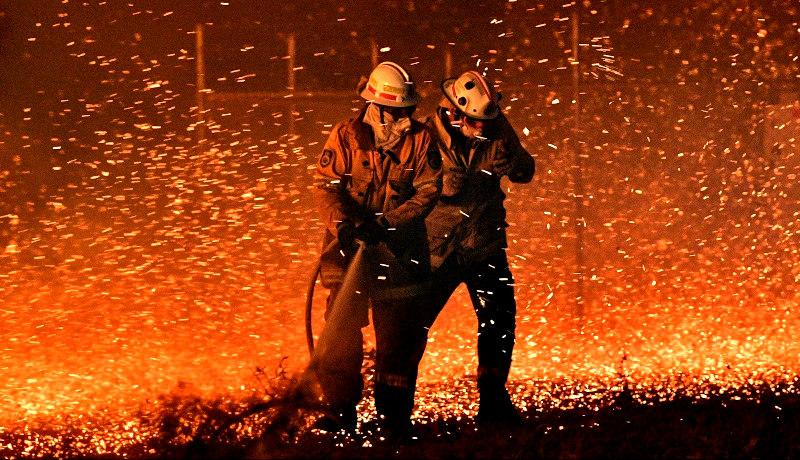 شرارههای آتش آتشنشان استرالیا 2019