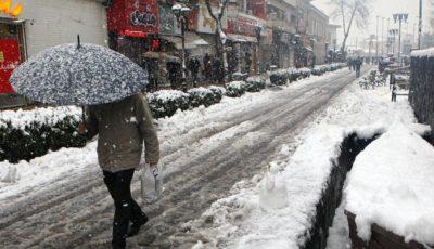 اولین آمار از قربانیهای برف گیلان / فوت ۲ نفر در پی بارش برف
