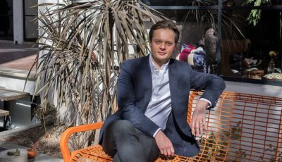 جوان لهستانی در بورس تهران سرمایه خود را ۵ برابر کرد