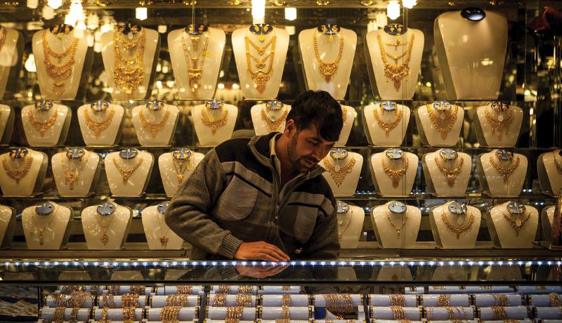 پنجشنبه در بازار طلا و سکه چه خبر بود؟ / قیمت طلا و دلار امروز 98/12/8
