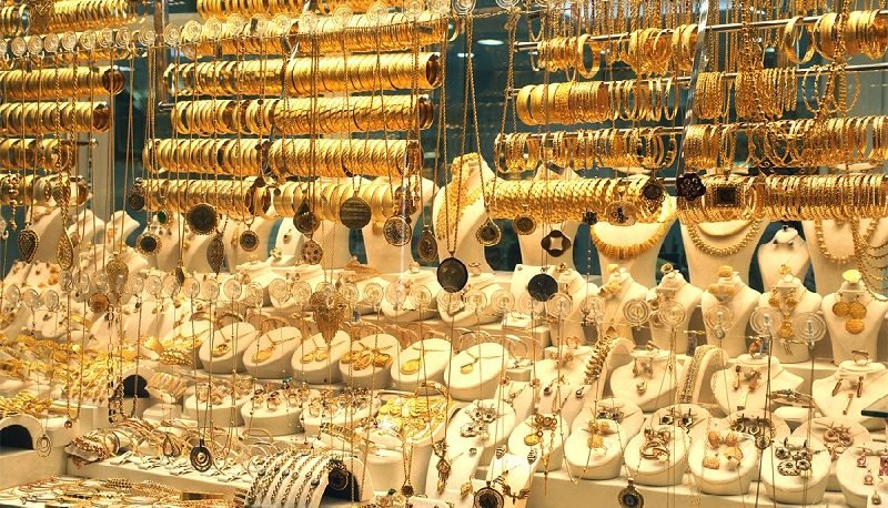 طلا از قله ۱۶۰۰ دلار عبور کرد
