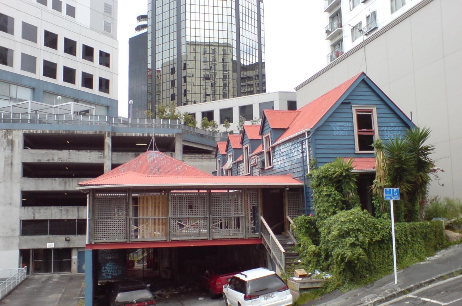 مقاومت با توسعه شهری