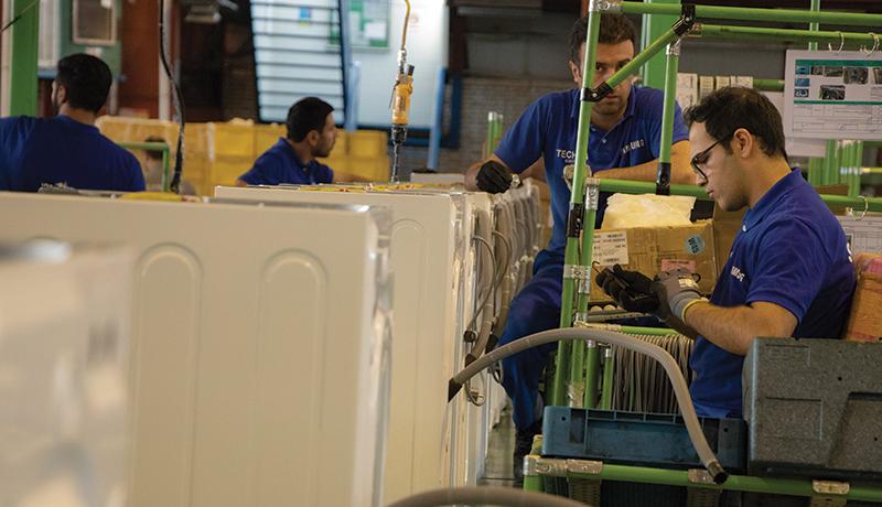 اعلام زمان تعیین حداقل مزد سال 99 / حقوقها ممکن است چقدر افزایش یابند؟