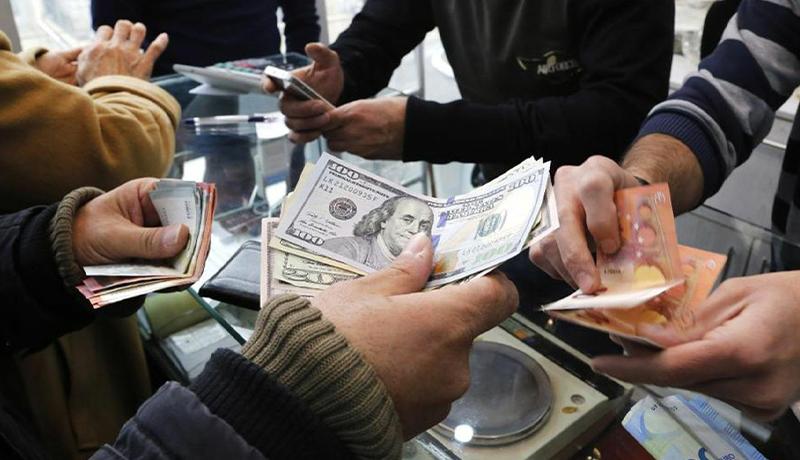 عبور دلار از مرز 15500 تومان / بیتفاوتی بازارساز به افزایش قیمت ارز در بازار