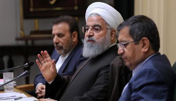 دستور روحانی برای تامین ارز واردات ماسک و لباس پزشکی