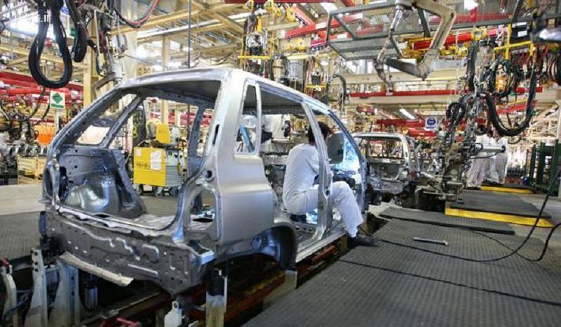 کاهش ۱۴٫۵ درصدی تولید خودرو در سال ۹۸