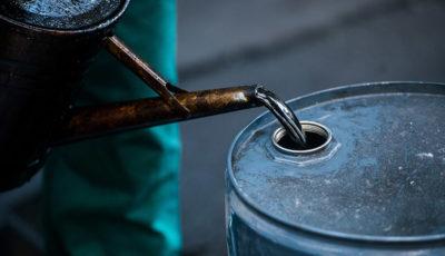 سقوط ۳٫۷ درصدی قیمت نفت در بازارهای جهانی