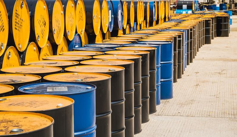 اولین قیمت نفت در هفته جدید میلادی/ نفت خام آمریکا  ۱۵ درصد سقوط کرد