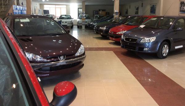 خودروسازان مسئول تحویل خودروی بدون پلاک هستند