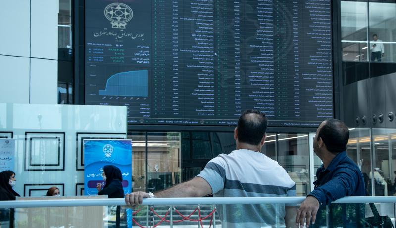 دولت ریسک در بورس را زیاد میکند / تا دو ماه آینده روند بازار تغییر میکند