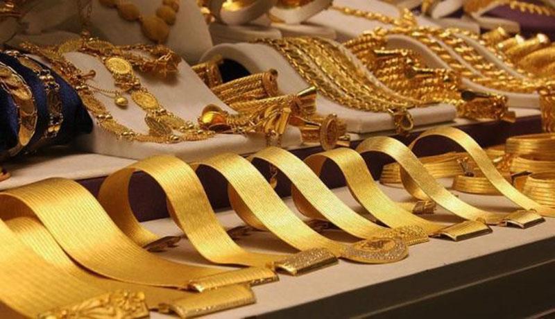 کاهش قیمتها در بازار طلا و سکه / قیمت طلا و دلار امروز ۹۹/۳/۱۳