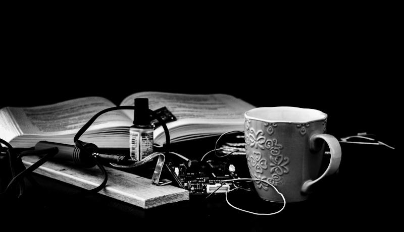قهوه الکترونیک کتاب