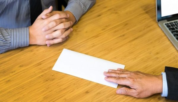 علائم هشداردهندهای که میگوید از کارتان استعفا دهید