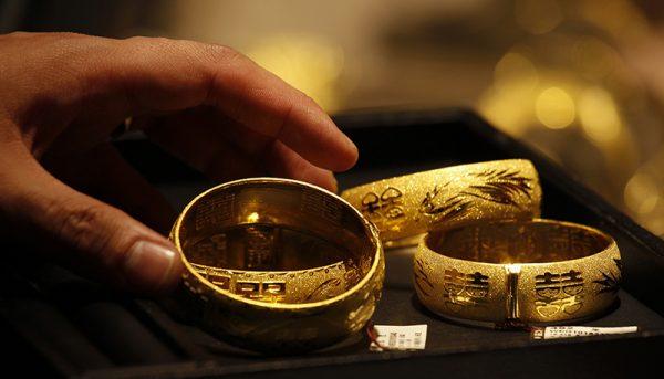 قیمتهای بازار طلا و سکه در پایان هفته / قیمت دلار و یورو امروز ۹۹/۵/۲۳