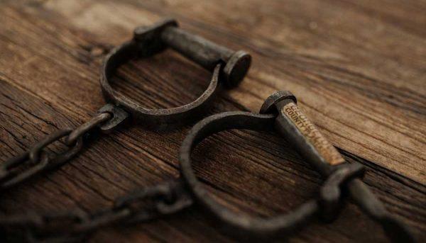 بردهداری مدرن: کارکردن با داغ و درفش در قرن ۲۱