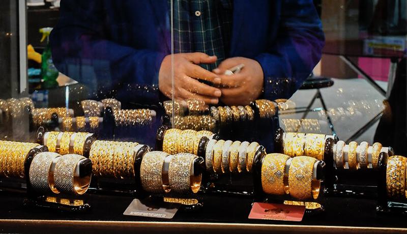 جزئیات بازار طلا و سکه در آغاز هفته دوم مرداد / قیمت دلار و یورو امروز ۹۹/۵/۱۱