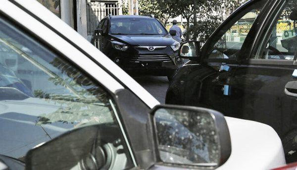 عقبنشینی خریداران واقعی از بازار خودرو / خودرو شب عید گران میشود؟