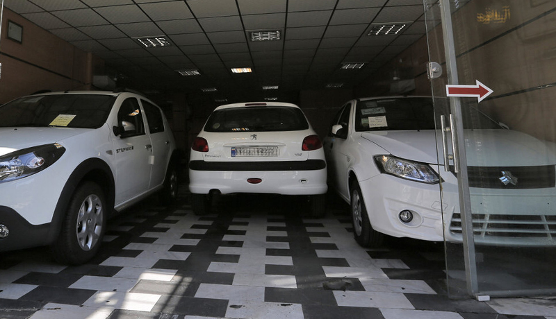 پیشبینی قیمت خودرو در هفته پایانی اسفند / بازار خودرو بدون مشتری