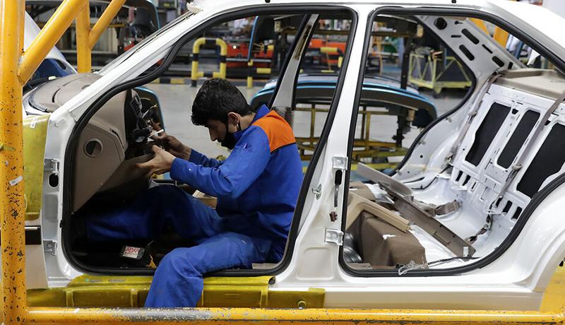 آغاز توزیع یارانه ۱۰۰ میلیونی خودرو / حراج خودروهای دولتی از امروز