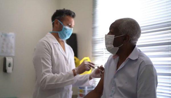 کدام کشورها واکسیناسیون کرونا را آغاز کردند؟
