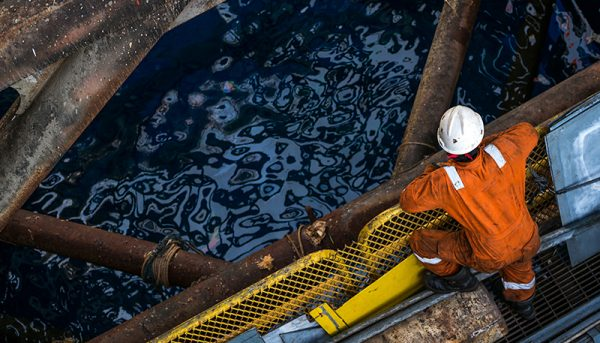 چین هم از ایران نفت نمیخرد / افت ۹۹ درصدی صادرات نفت ایران به چین