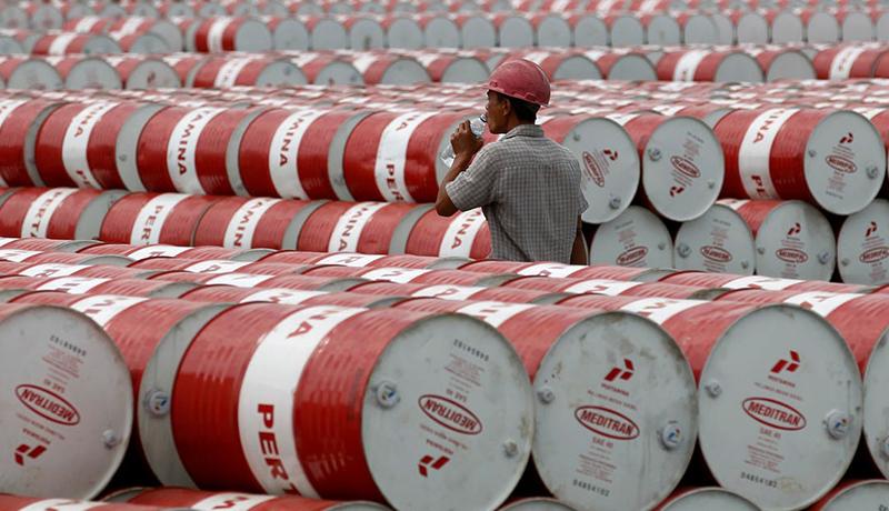مصرف نفت تا دو سال دیگر عادی نمیشود