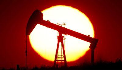 سقوط صادرات نفت ایران / امسال روزانه ۱۸۰ هزار بشکه صادر شد