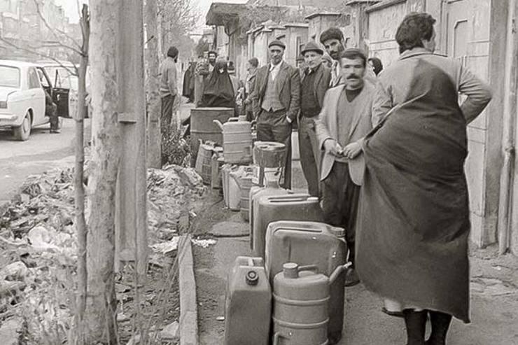 کارنامه اقتصادی کابینه جنگ / اقتصاد ایران زمان جنگ شرایط بهتری داشت یا الان؟