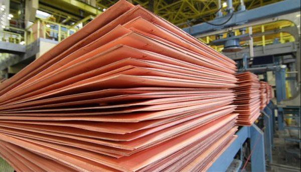 تاثیر افزایش قیمت جهانی فولاد بر بورس / چرا سهام فولاد رشد نمیکند؟