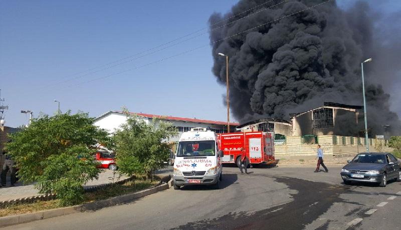 اولین فیلم از آتشسوزی مهیب در شهرک صنعتی شکوهیه قم