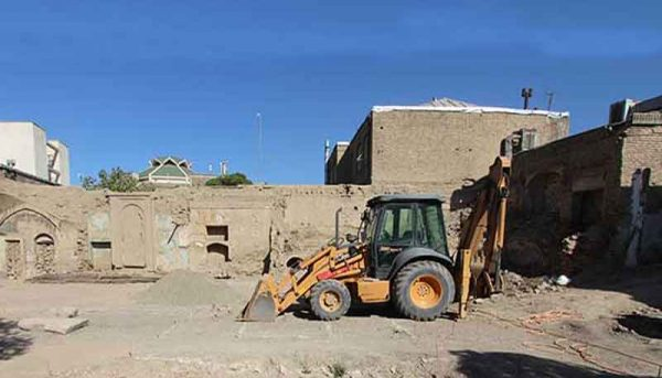 تخریب یک خانه تاریخی در اراک(ویدیو)