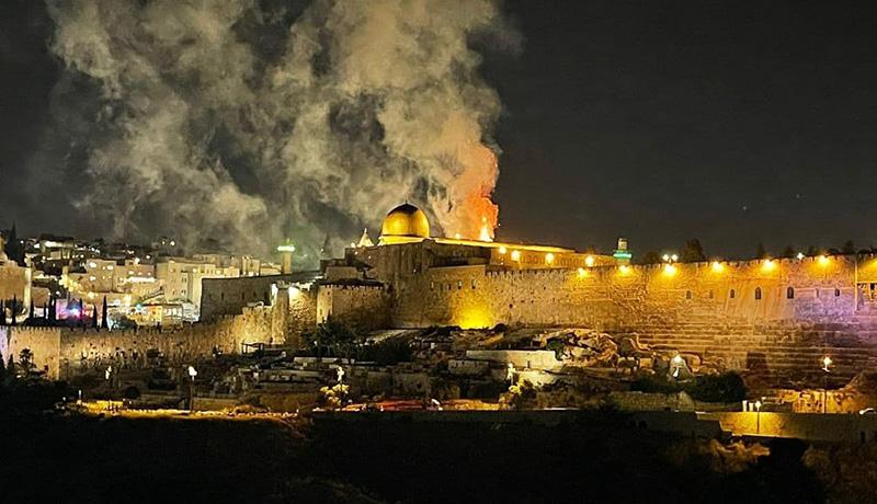 آتشسوزی مهیب در صحن مسجدالاقصی